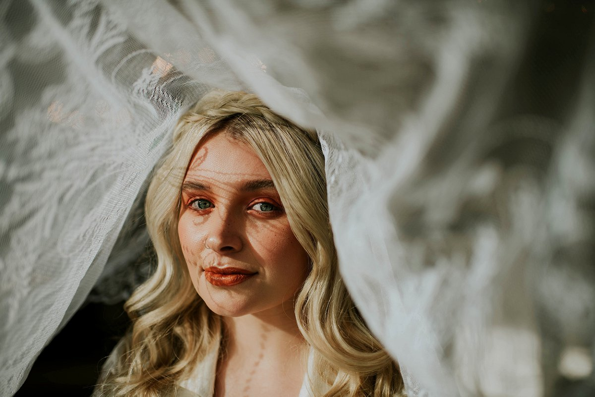 An ethereal bridal editorial at Hirst Priory (c) Tiptoe by Eve Photography (4)