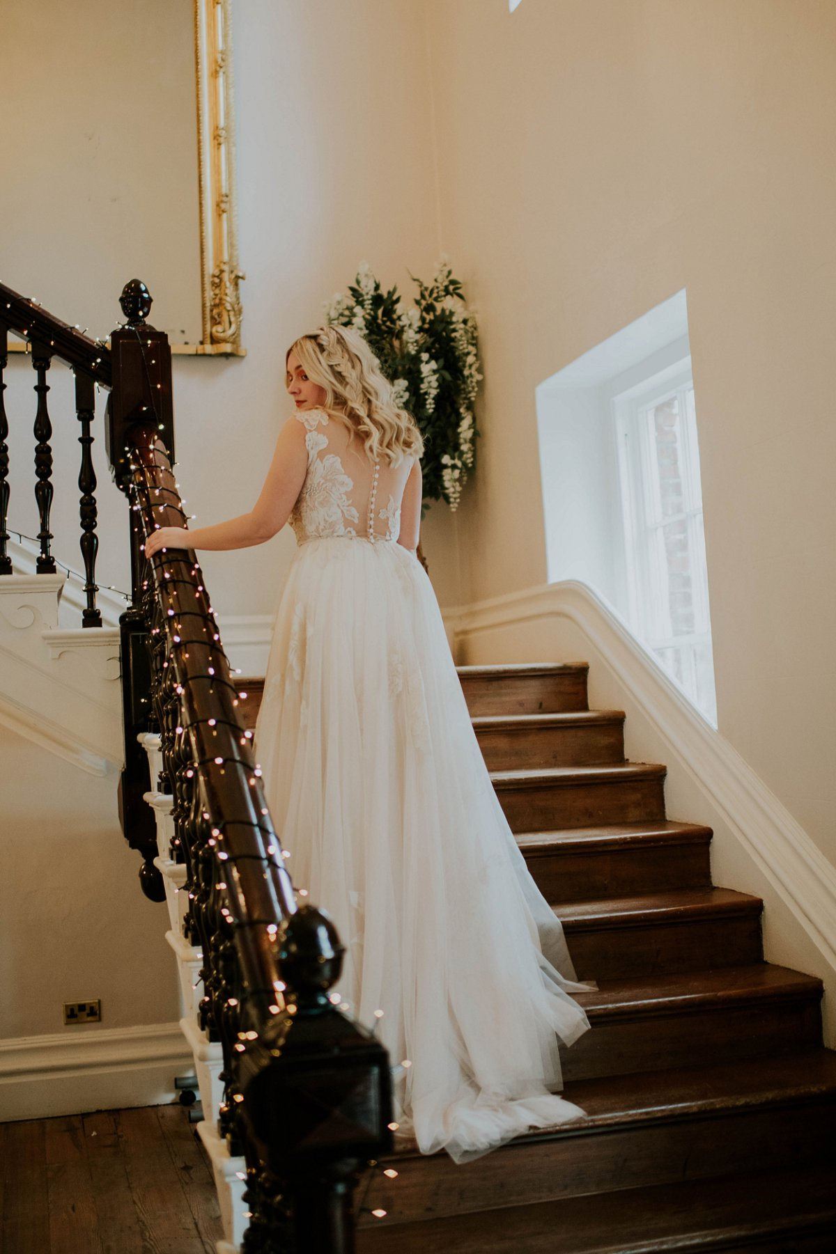 An ethereal bridal editorial at Hirst Priory (c) Tiptoe by Eve Photography (43)