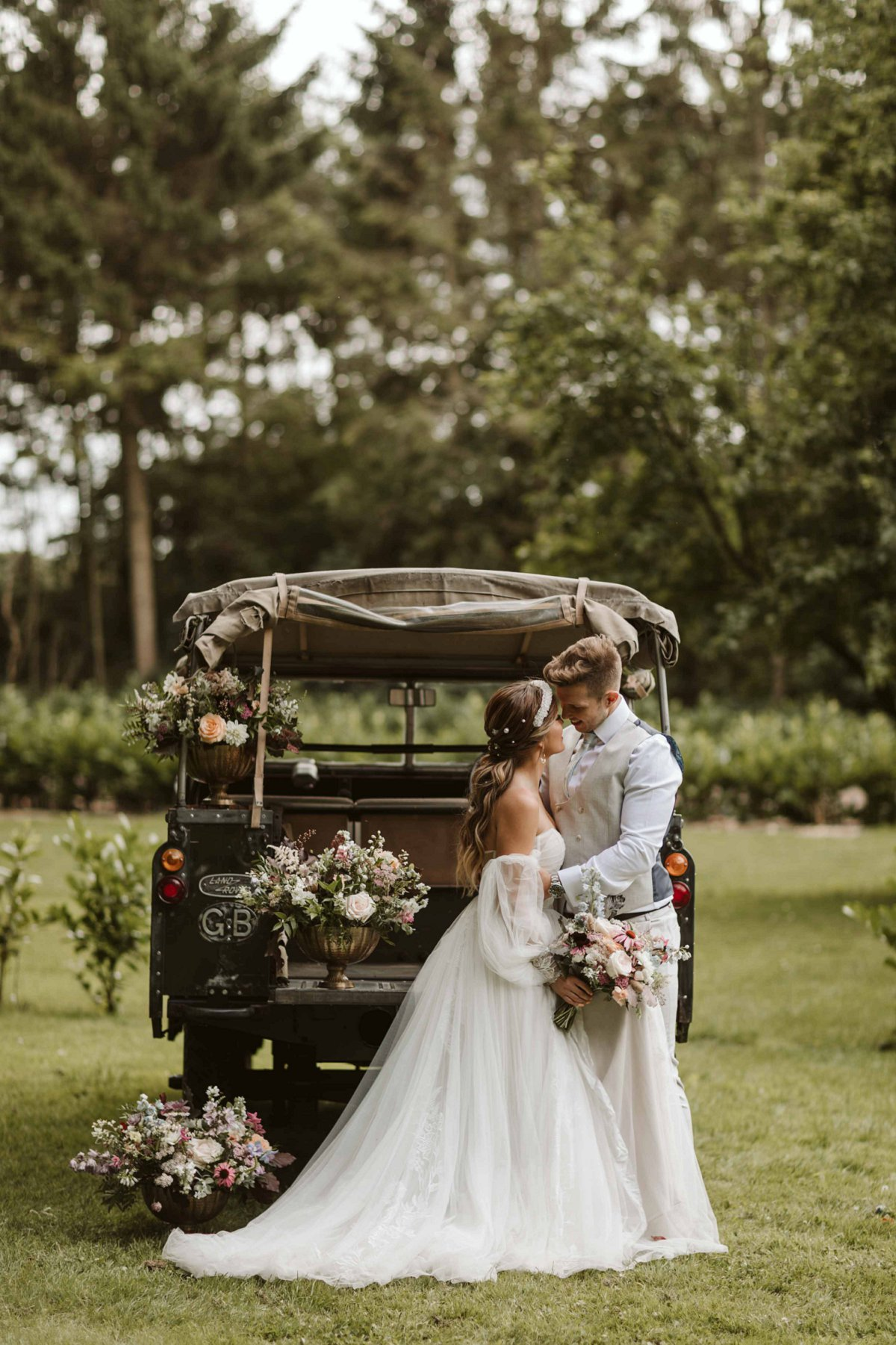 An Eclectic & Elegant Wedding Inspiration Shoot at Wold View Farm (c) Freya Raby Photography (20)