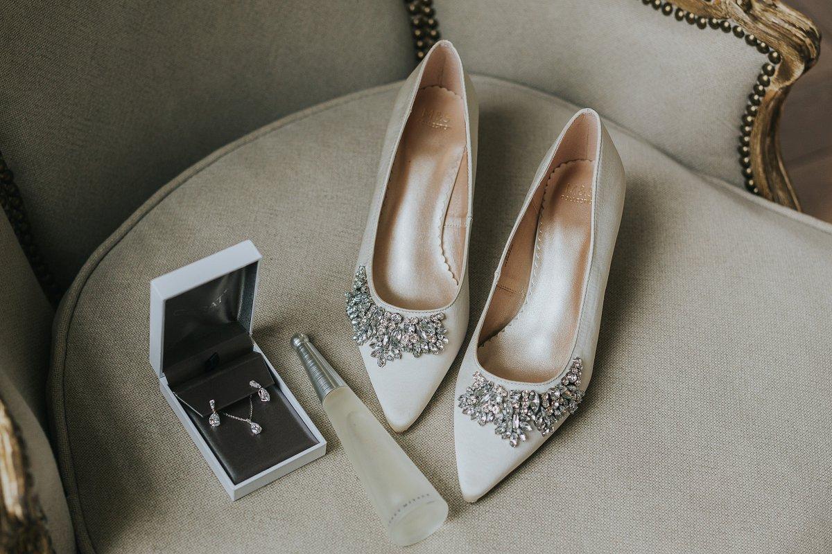 An Elegant Wedding at Middleton Lodge (c) Laura Calderwood Photography (5)