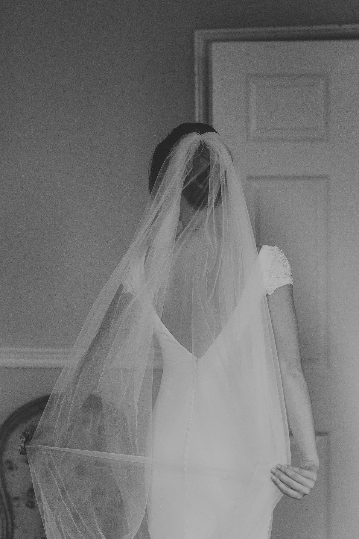 An Elegant Wedding at Middleton Lodge (c) Laura Calderwood Photography (9)