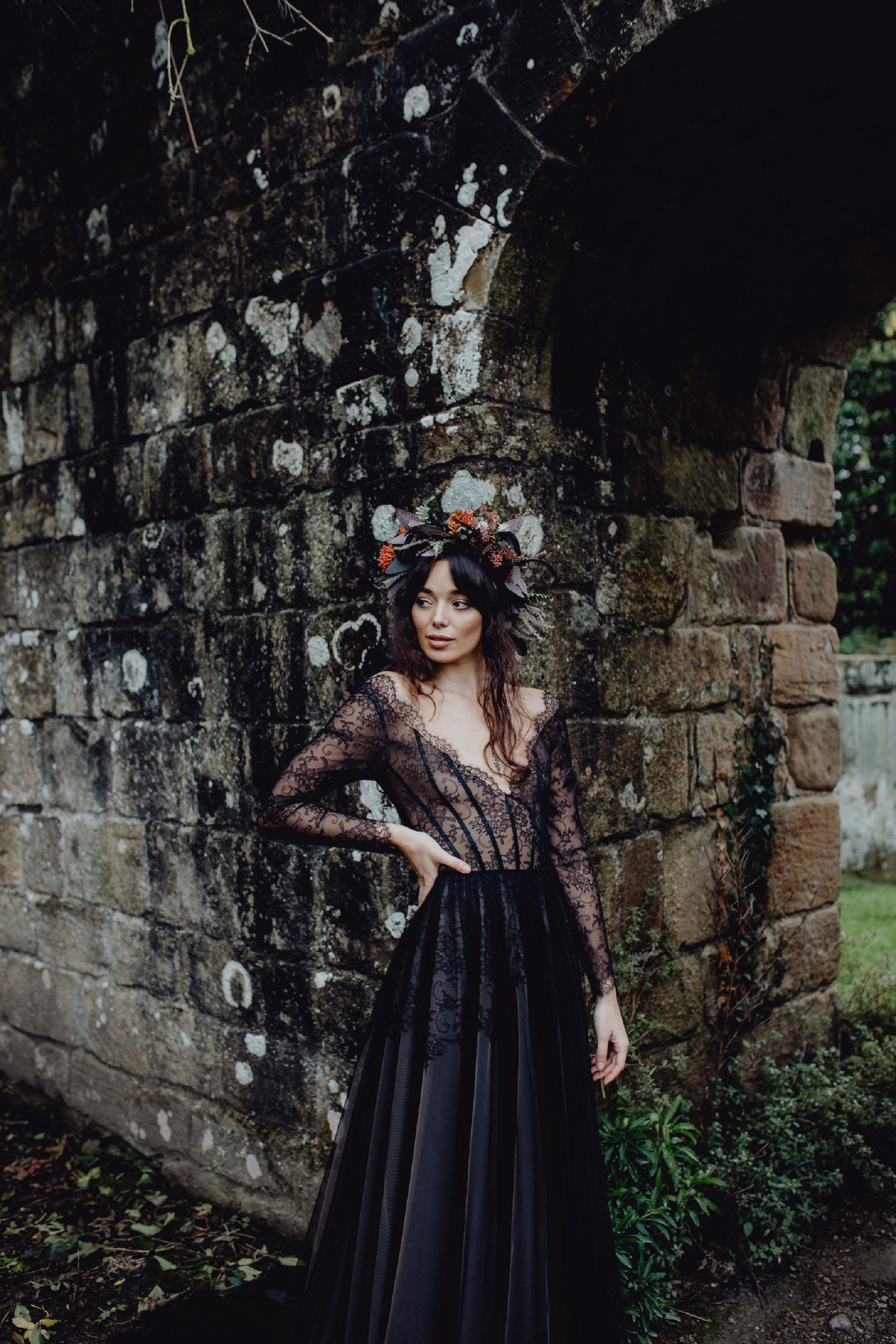 A Dark Romantic Wedding Shoot at Jervaulx Abbey (c) Emilia Kate Photography (31)