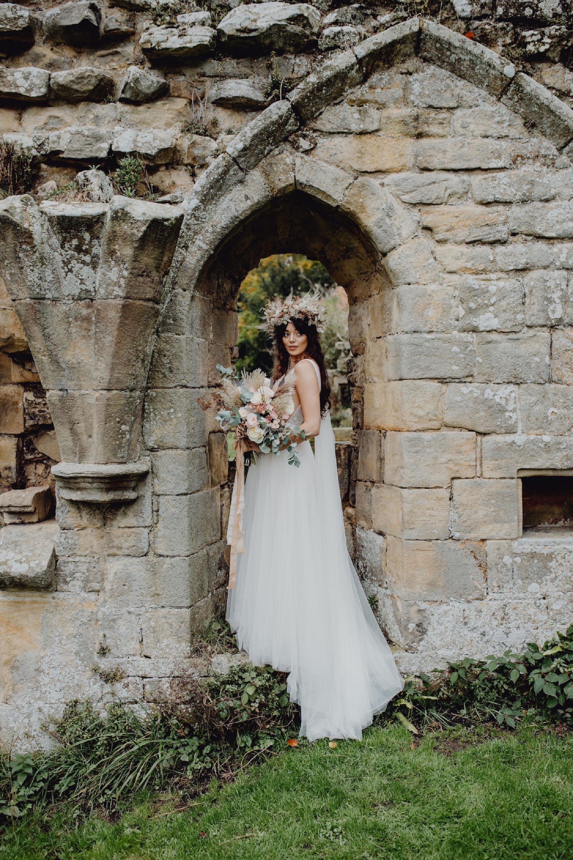 A Dark Romantic Wedding Shoot at Jervaulx Abbey (c) Emilia Kate Photography (37)