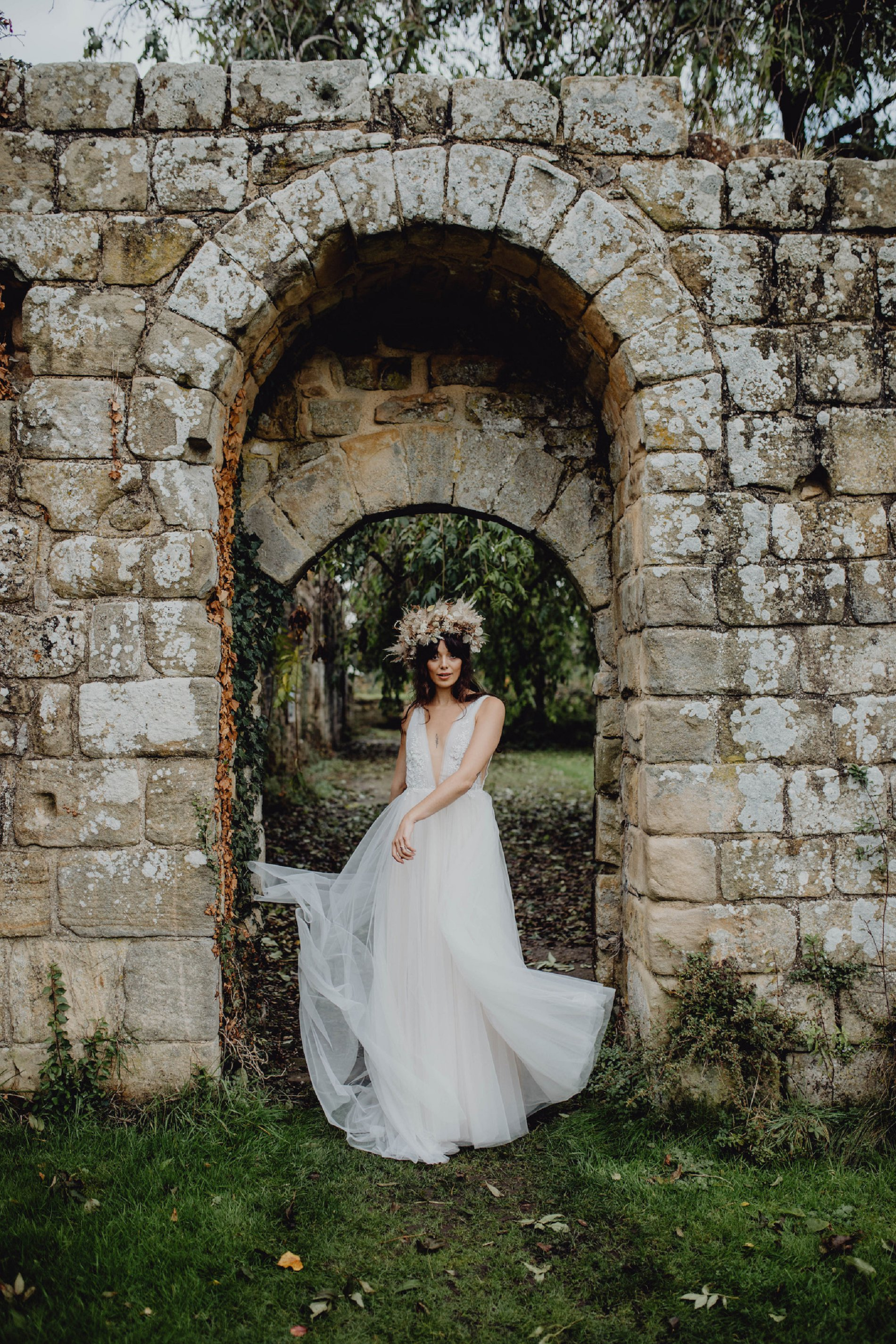 A Dark Romantic Wedding Shoot at Jervaulx Abbey (c) Emilia Kate Photography (6)