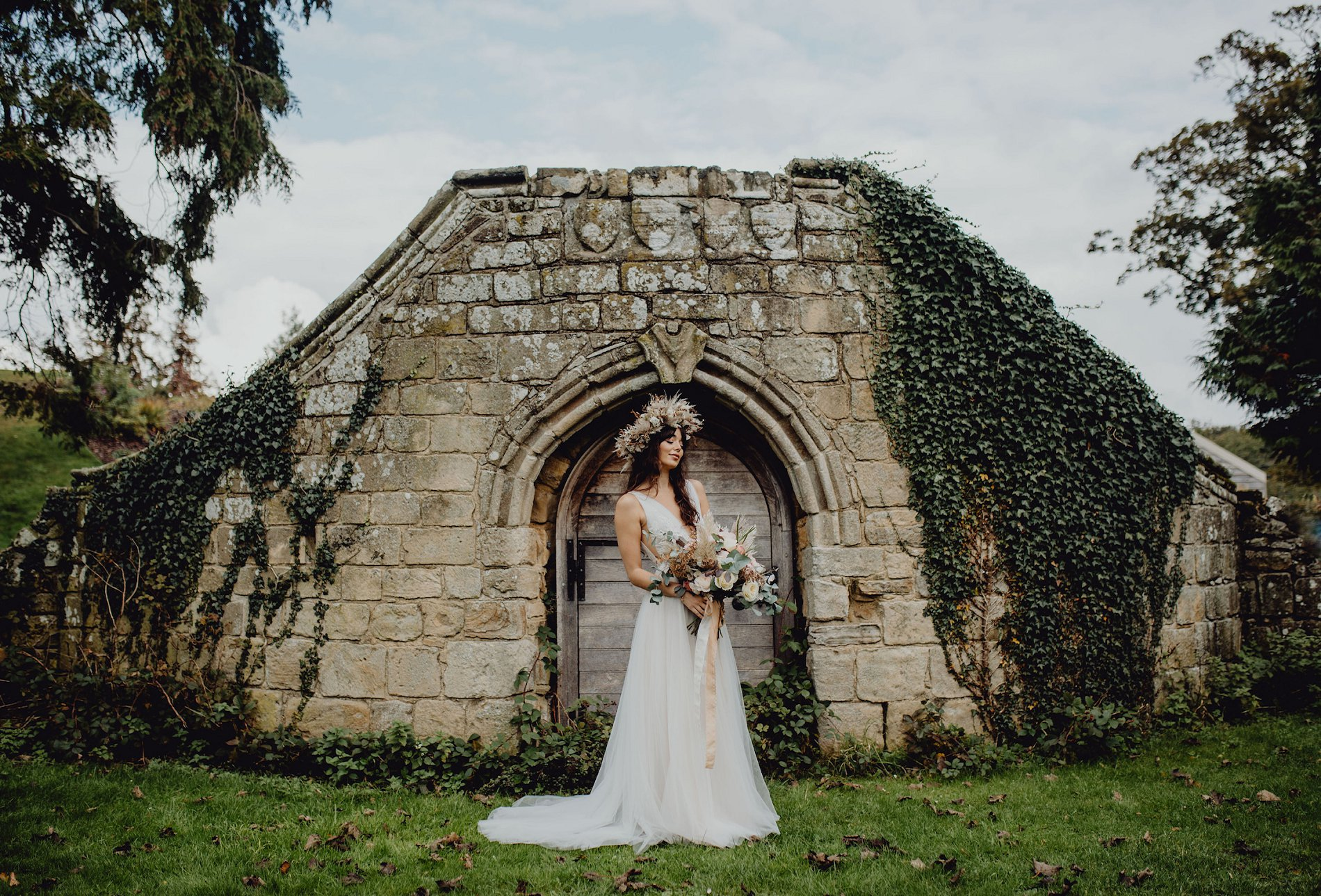 A Dark Romantic Wedding Shoot at Jervaulx Abbey (c) Emilia Kate Photography (8)