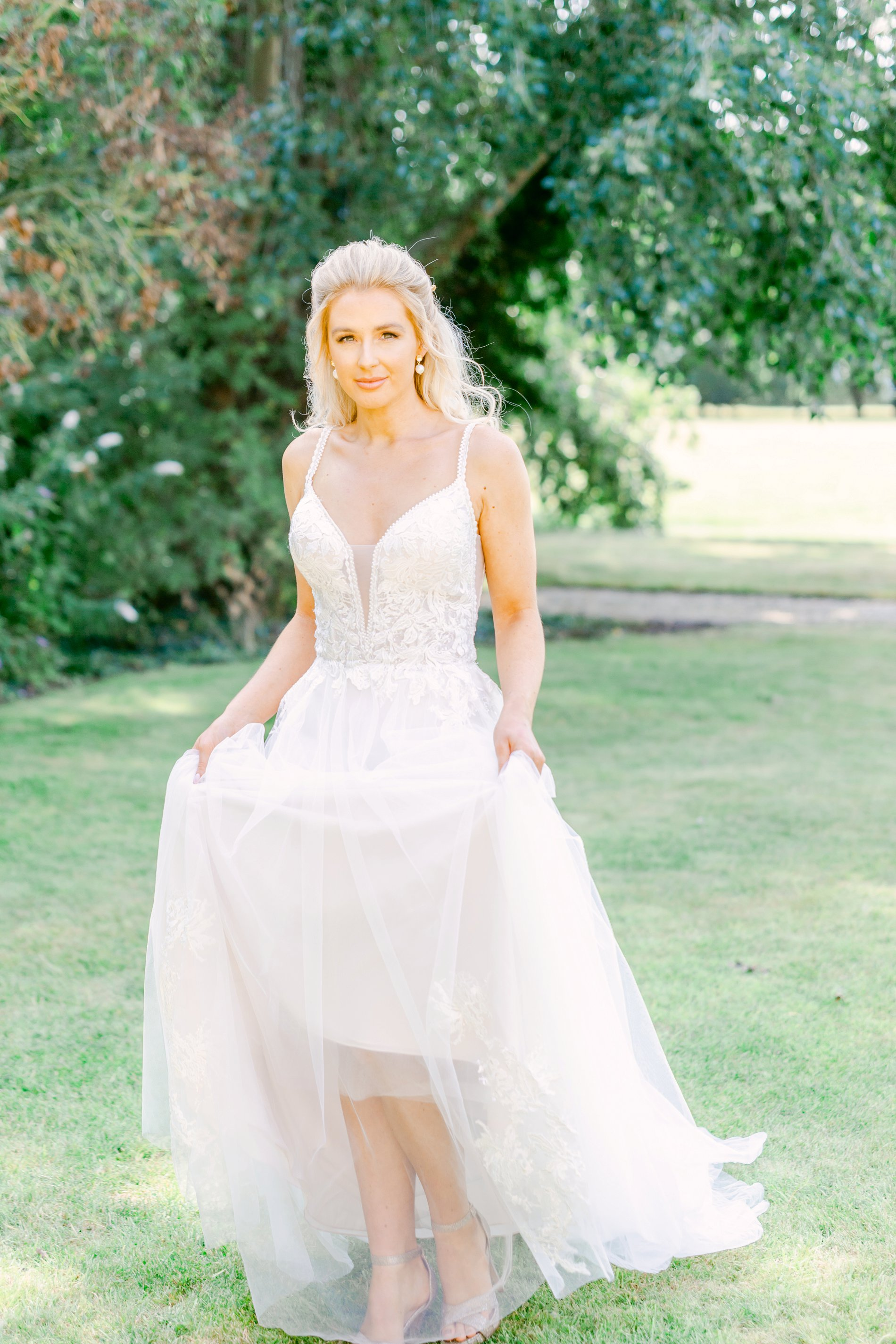 An Elegant UNVEILED Network wedding shoot at Hirst Priory (c) Ailsa Reeve Photography (10)