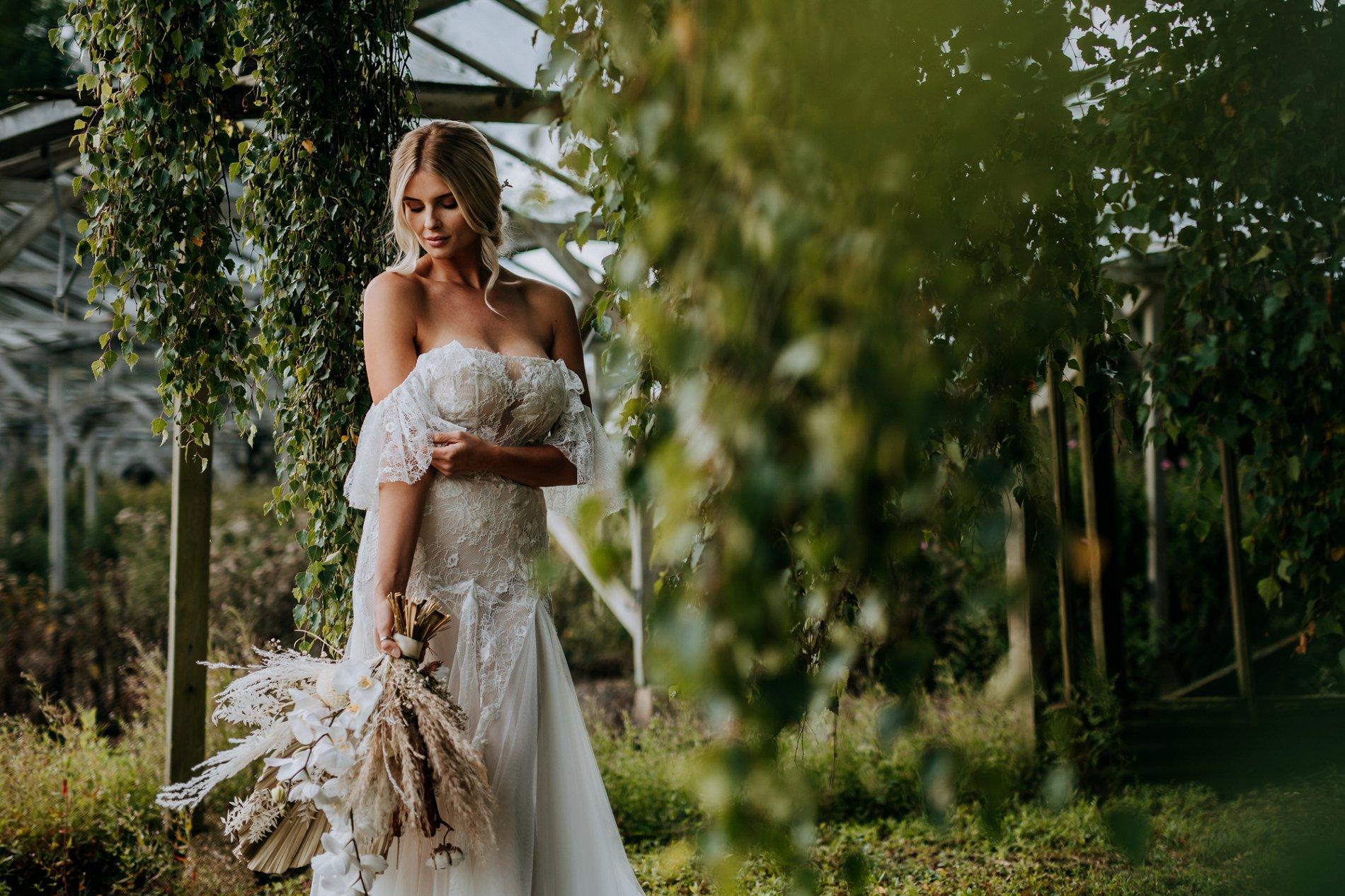 A Creative Elizabeth Lucas Bridal Fashion Editorial in Yorkshire (c) M and G Wedding Photography (10)