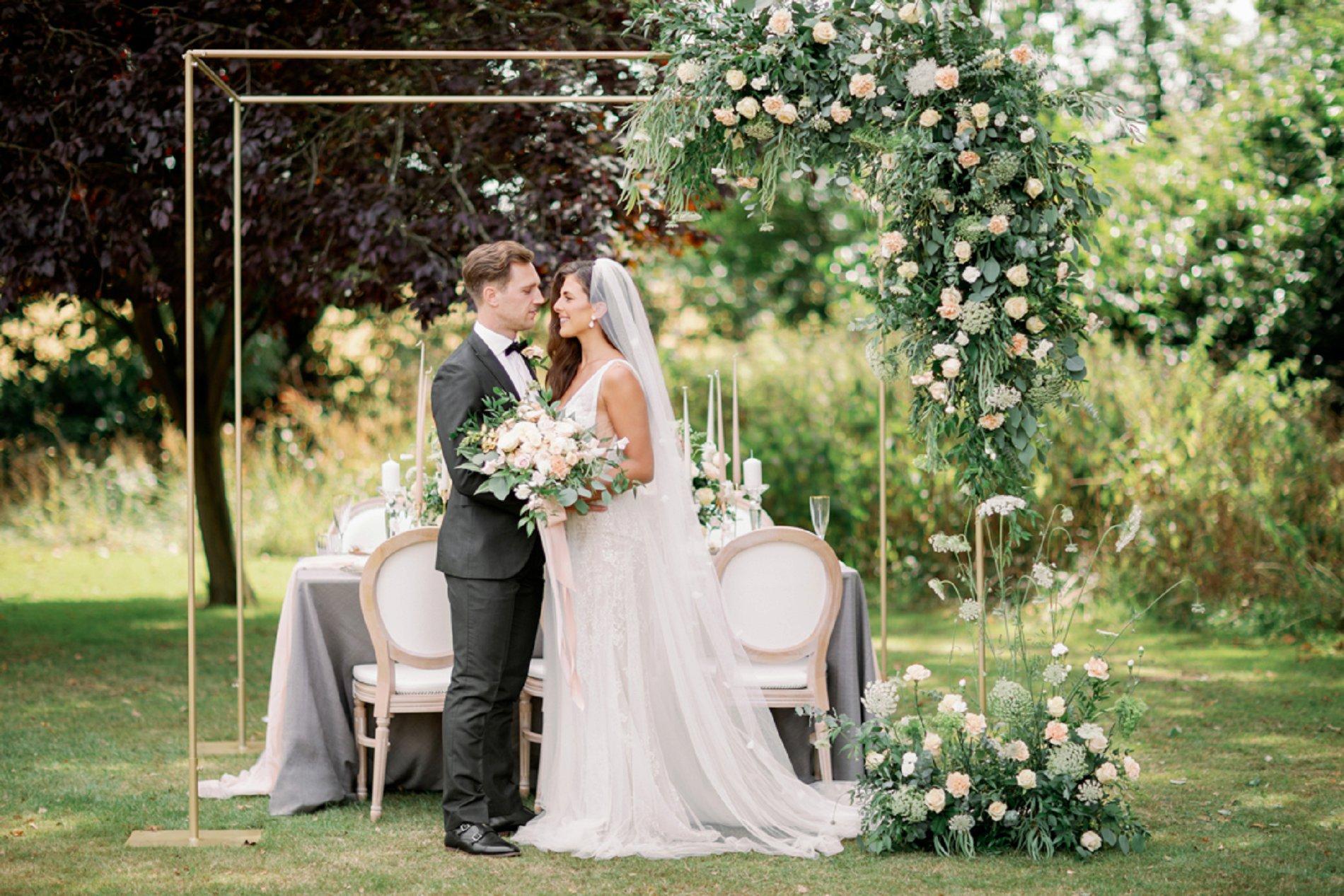 An Elegant Styled Shoot at Baddow Park House (c) Camilla J Hards (8)