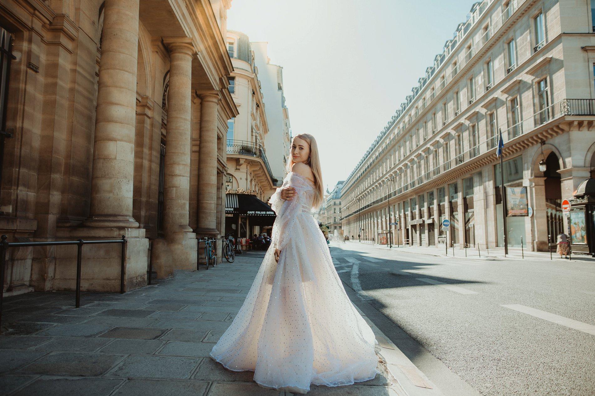 Miss He Bridal Romantic Paris Elopement (c) Xanthe Rowland Photography (20)
