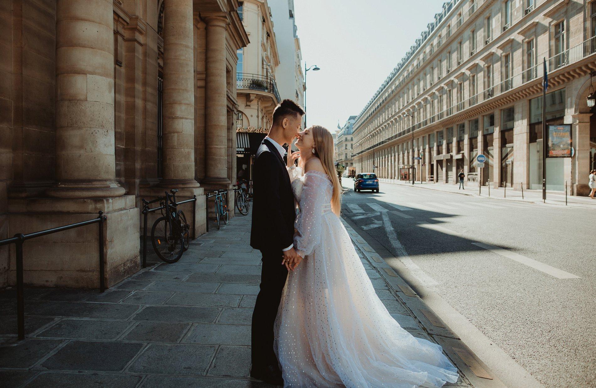 Miss He Bridal Romantic Paris Elopement (c) Xanthe Rowland Photography (22)