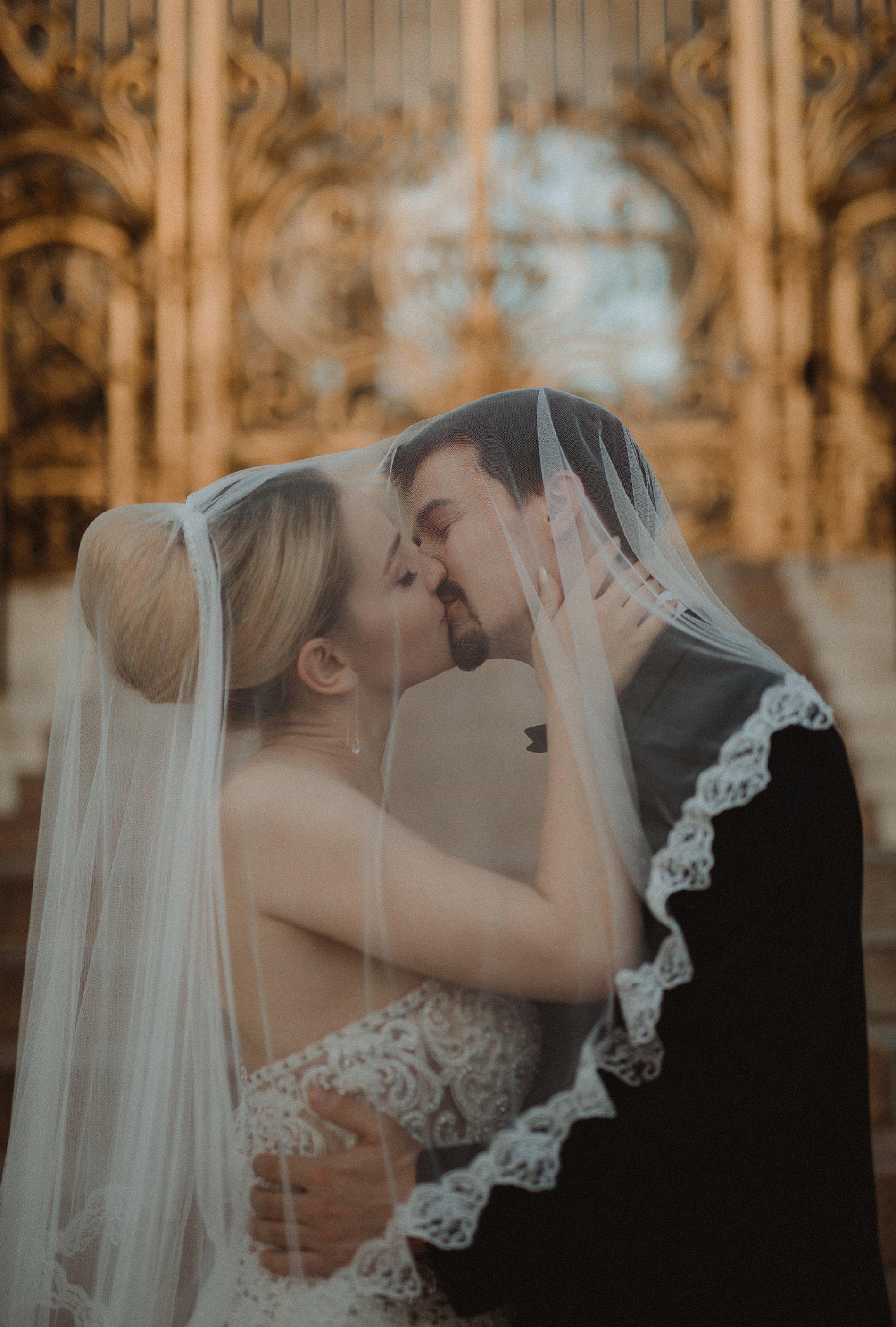 Miss He Bridal Romantic Paris Elopement (c) Xanthe Rowland Photography (41)