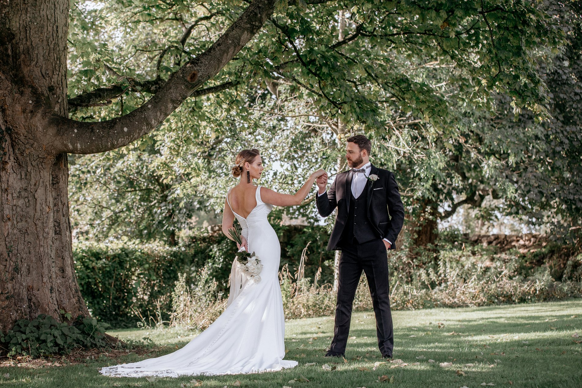 An Elegant Wedding Shoot at Jervaulx Abbey (c) Natalie Hamilton Photography (6)