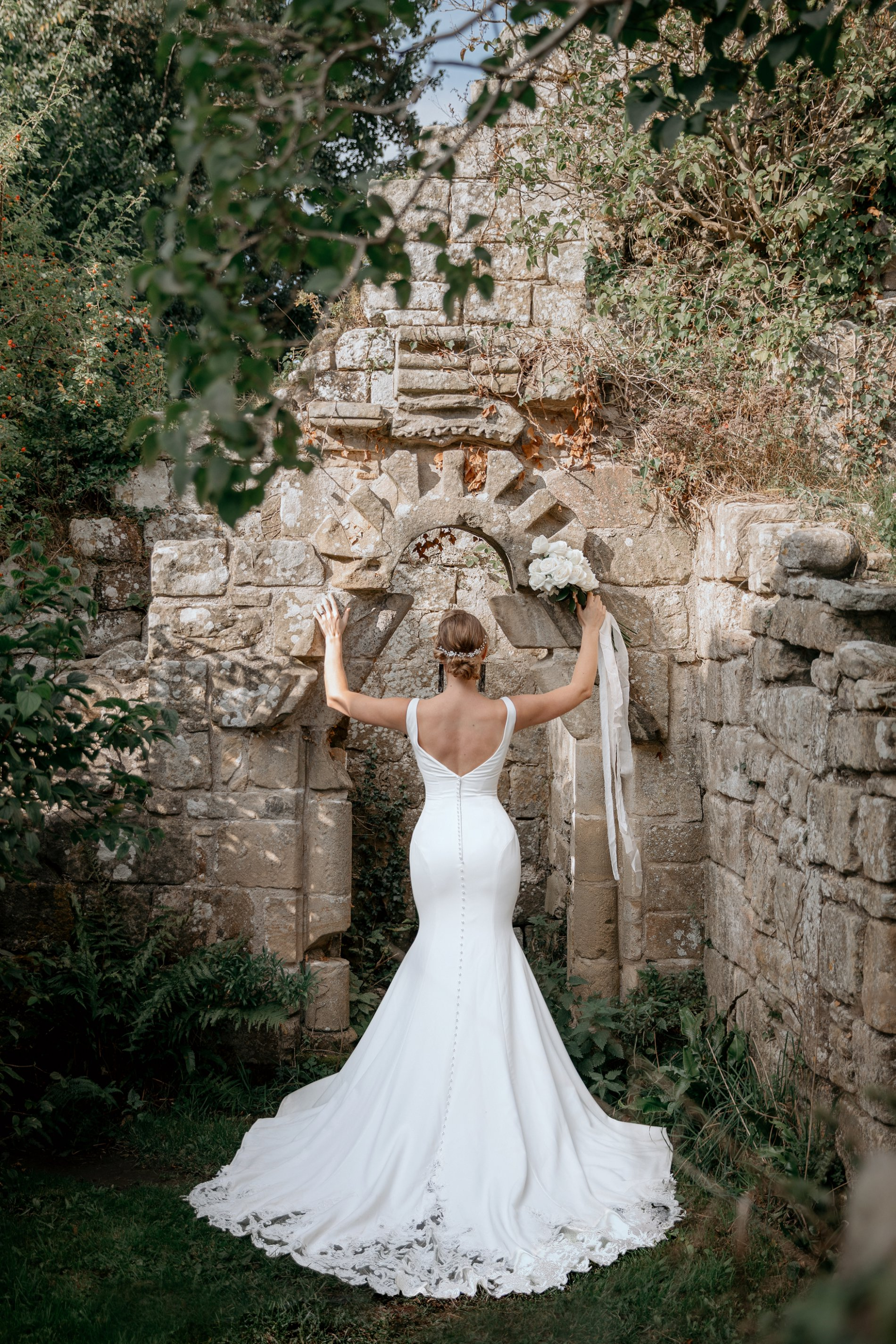 An Elegant Wedding Shoot at Jervaulx Abbey (c) Natalie Hamilton Photography (8)