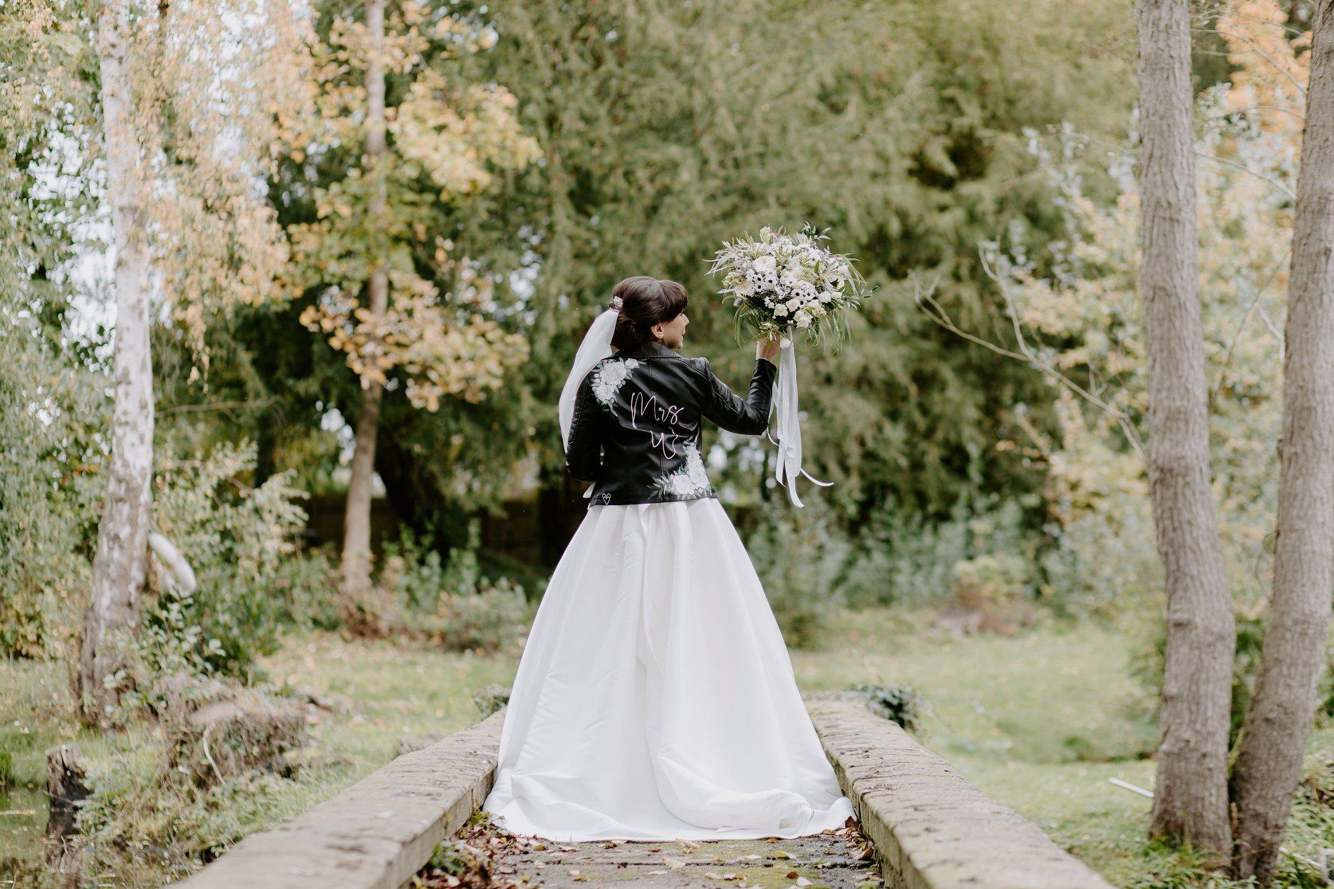 An Elegant White Wedding at Thicket Priory (c) Carla Whittingham Photography (63)