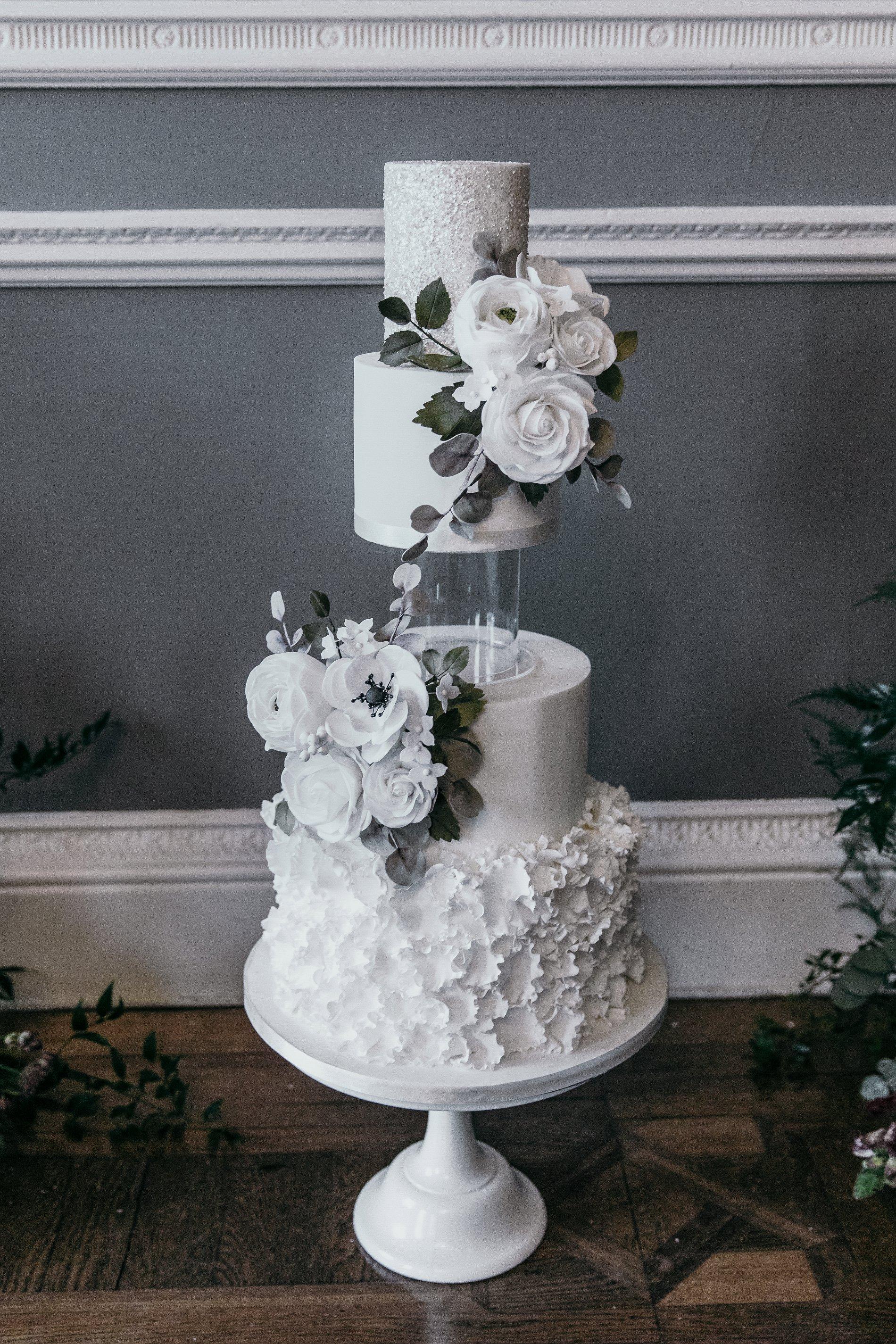 A Black Tie Wedding Creative Shoot at Saltmarshe Hall (c) Natalie Hamilton Photography (6)