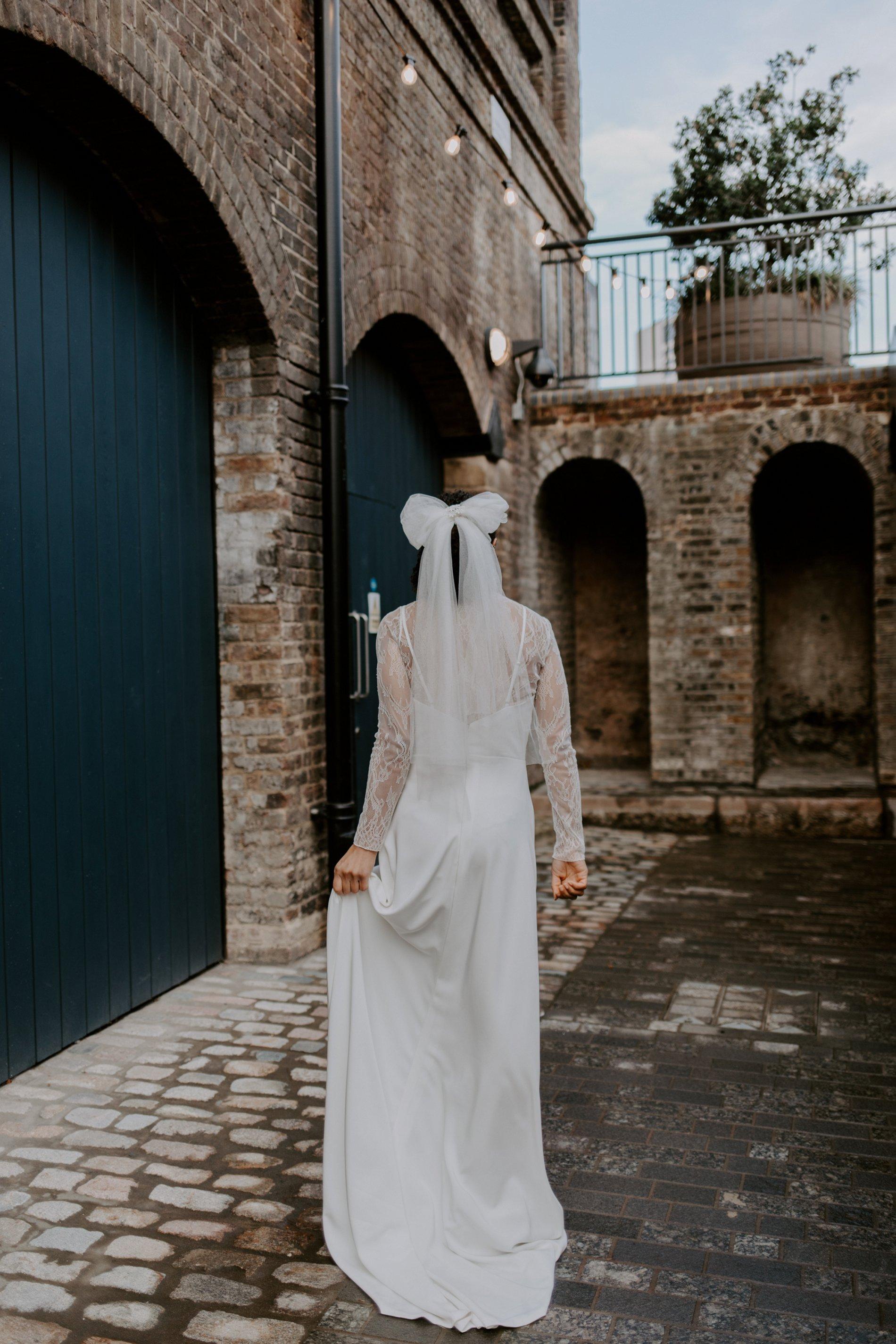 City Wedding Styled Shoot at Coal Drops Yard (c) Emztography (16)
