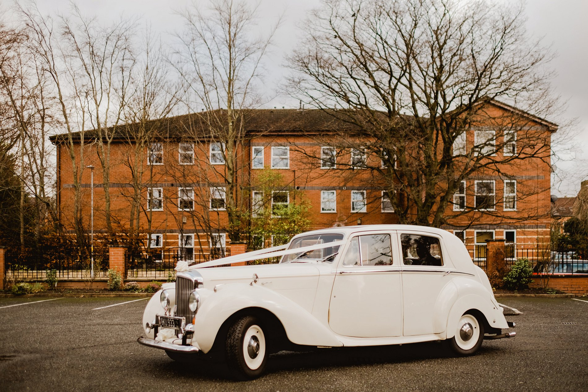 An Elegant Wedding at The Holford Estate (c) Kate McCarthy Photography (16)